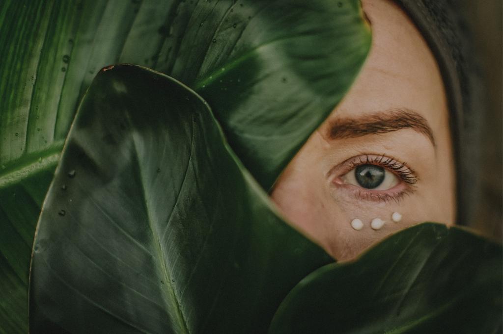 Ekologisk ögonkräm som minskar rynkor